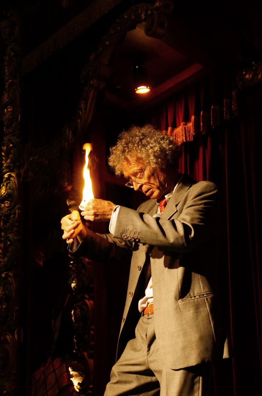 Mr Demoyencourt, le magicien qui n'aime pas qu'on l'applaudisse