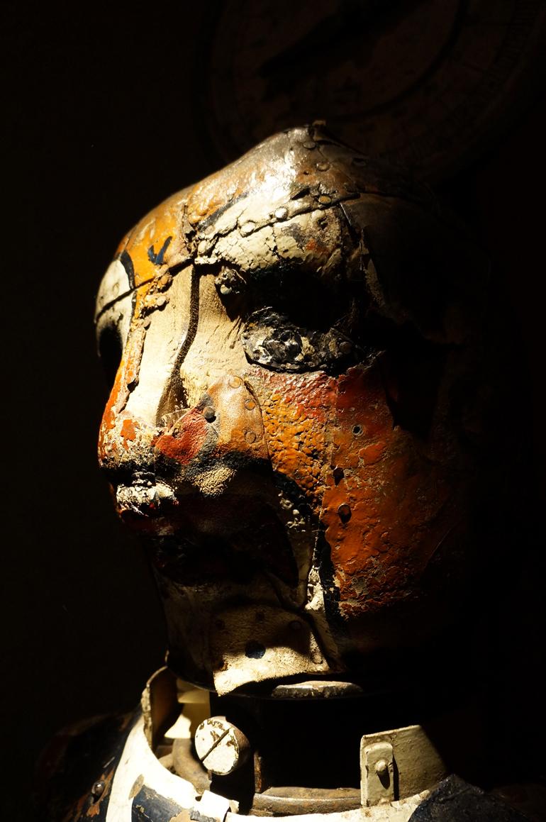 14092013-MDAF-statue2