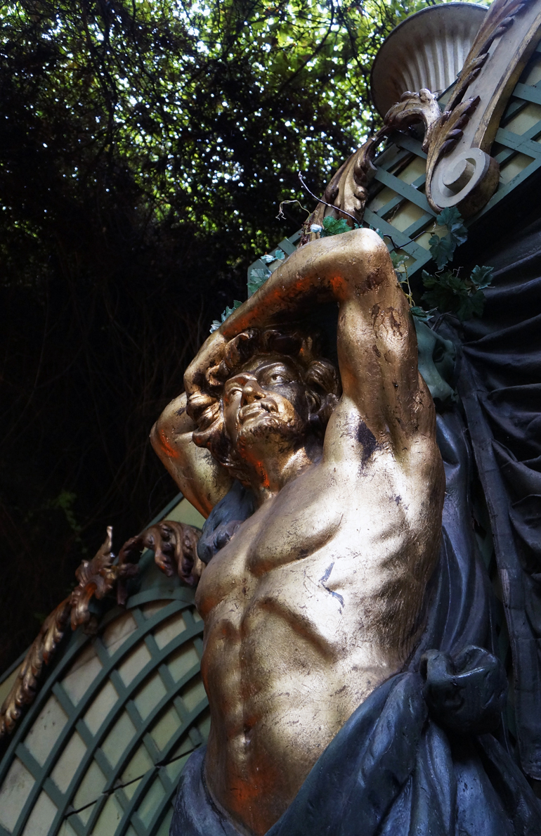 14092013-MDAF-statue5
