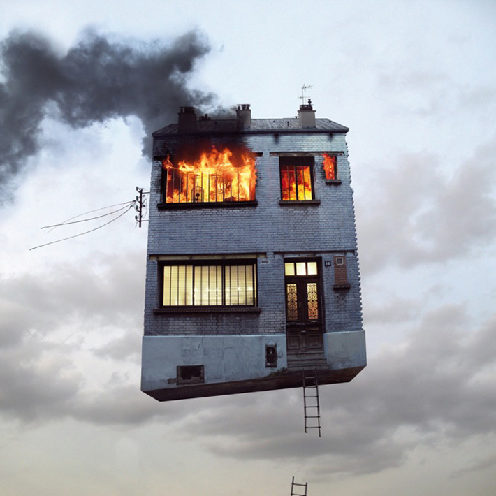 FLYING-HOUSE-fire-laurentchehere